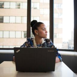 la productividad y el estado de ánimo de los trabajadores